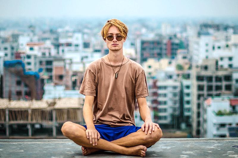 Parar, respirar, meditar. Até no trabalho